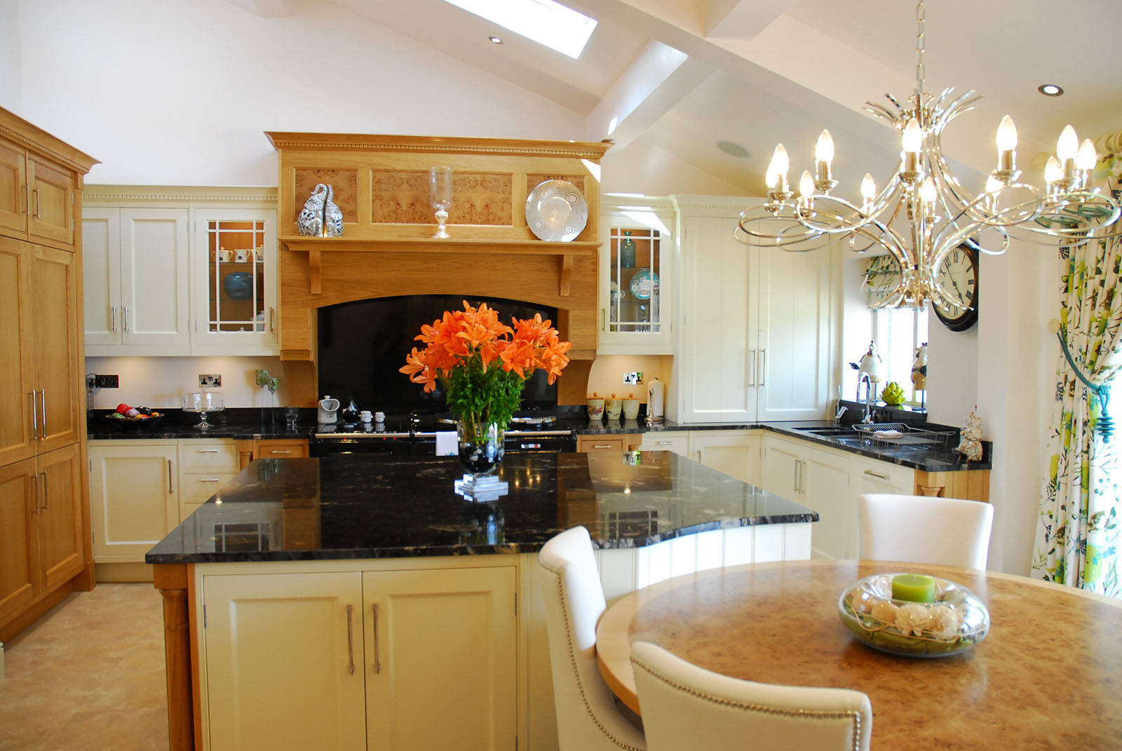 Luxury Bespoke English Classic Kitchens Southport by Acanthus Deisgn