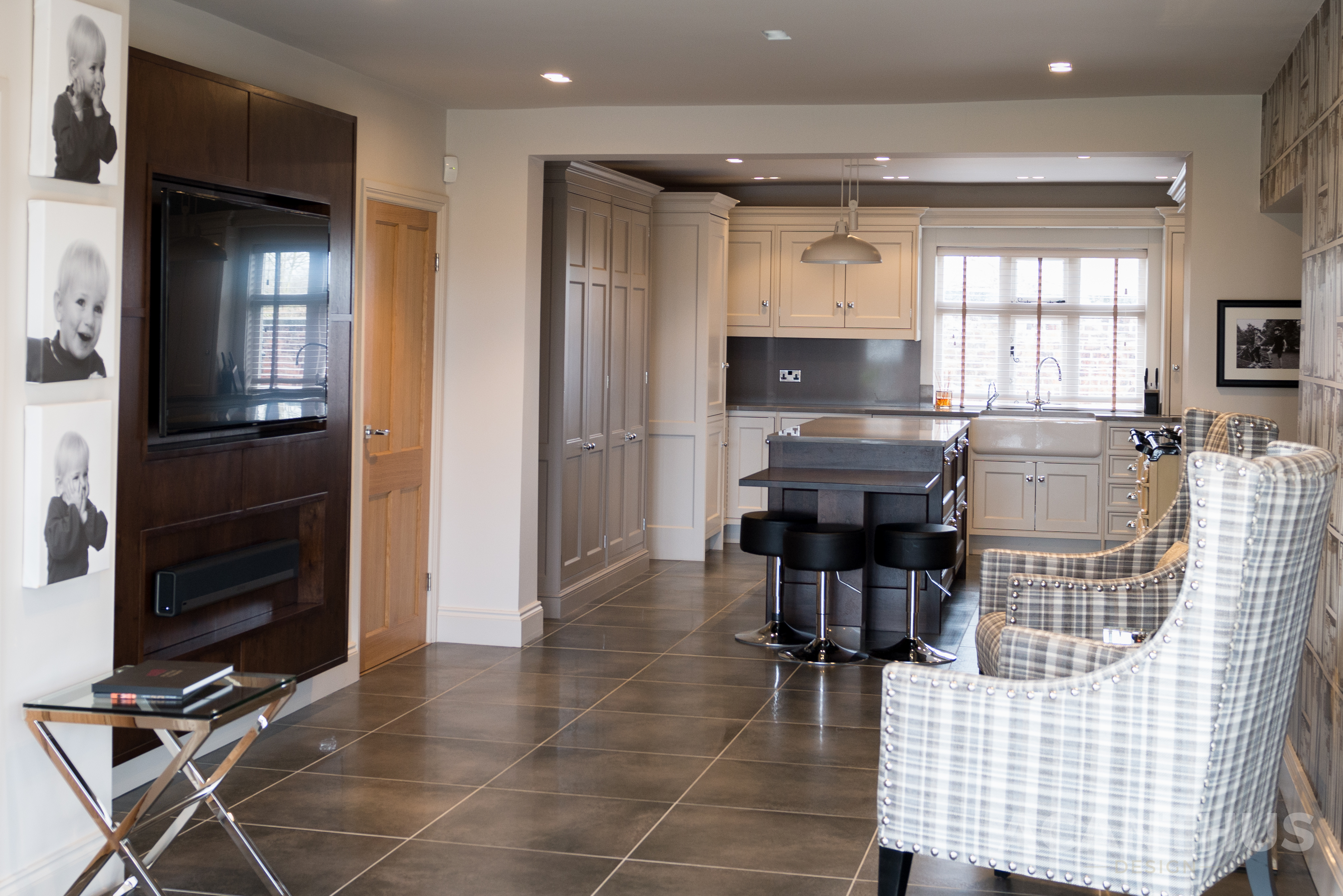 The English Classic Painted Kitchen By Acanthus Design