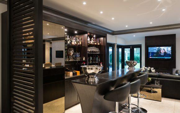 Zen Kitchen, Bar, Drinks Cabinet, Entertaining Area, Walnut, Handless, Granite, Sleek, Designer